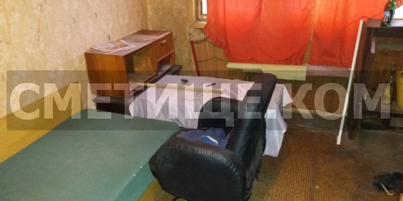 Сметиште за извозване на холна гарнитура с табуретки в София
