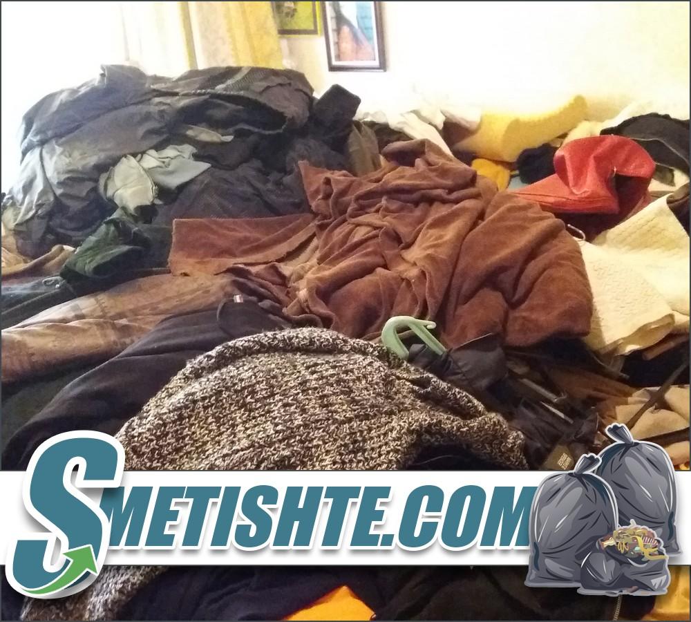 Опразване на апартамент с отпадъци от хамали в София