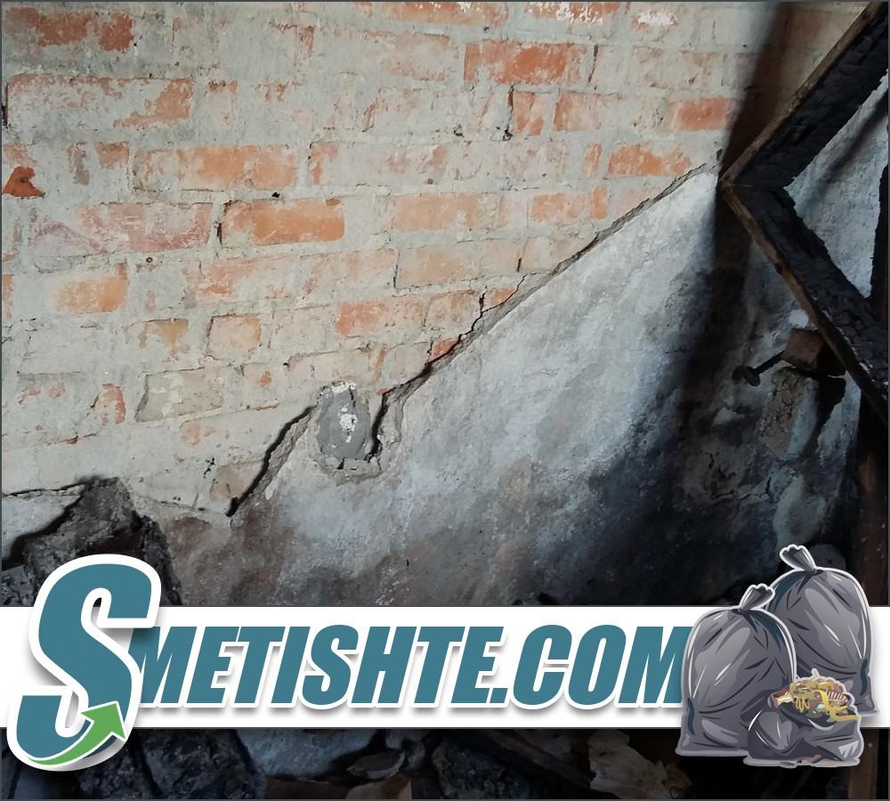 Извозване на строителни отпадъци след пожар